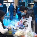Ночью мешками скупали муку: Что сегодня происходит в супермаркетах